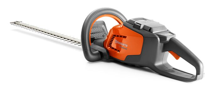 The Husqvarna 115iHD45 Hedge Trimmer is easy to use, easy to handle – and quiet enough for seasonal use in residential areas. Comfortable and durable, it offers powerful performance with no direct emissions. Safe, convenient starting via the intuitive keypad, efficient brushless motor with savE™ function for extra runtime and long-lasting Li-ion battery make it a great choice for homeowners. Battery and charger included.