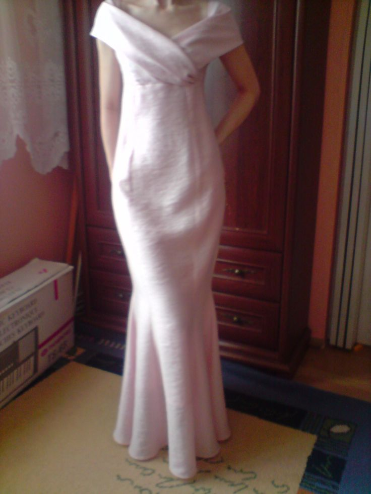sukienka na podstawie łączonych wykrojów z Burdy
