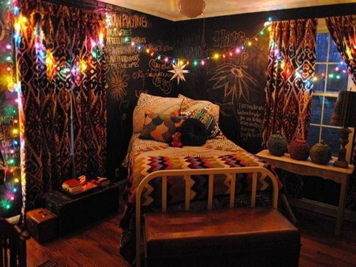I pinned this for the chalkboard wall  That s a seriously adorable idea   The rest of the room is too dark for my liking though  I saw a recipe for  colored. 17 Best ideas about Hipster Teen Bedroom on Pinterest   Bedroom