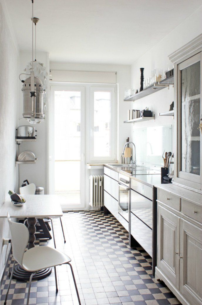 Malé biele kuchyne- 15 krásnych inšpirácií - Byvanie je hra