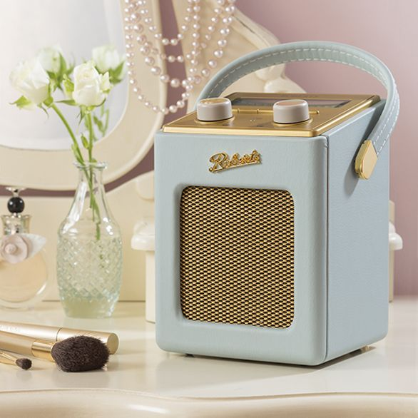 Win a Roberts Revival Mini DAB Digital Radio with @Glasswells!