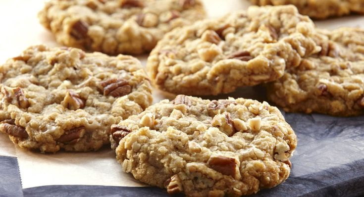 Praline Oatmeal Cookies                        http://www.mccormick.com/Recipes/Dessert/Praline-Oatmeal-Cookies