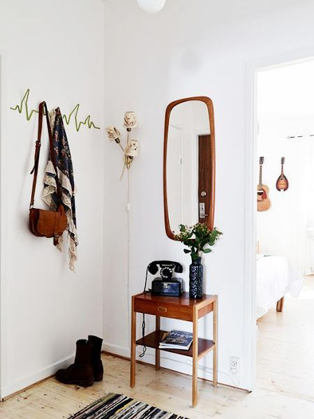 Ideas para decorar un recibidor pequeño - Decoración Sueca https://decoracionsueca.com/ideas-que-te-ayudaran-a-decorar-un-recibidor-pequeno/11428 #decoración #interiorismo