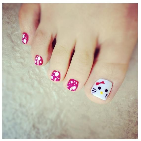 Hello Kitty Toe Nail Art