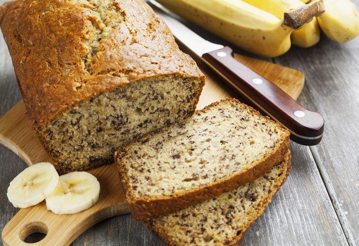 Notre recette de pain aux bananes est toute simple et rapide à cuisiner. C'est bon à s'en lécher les doigts.