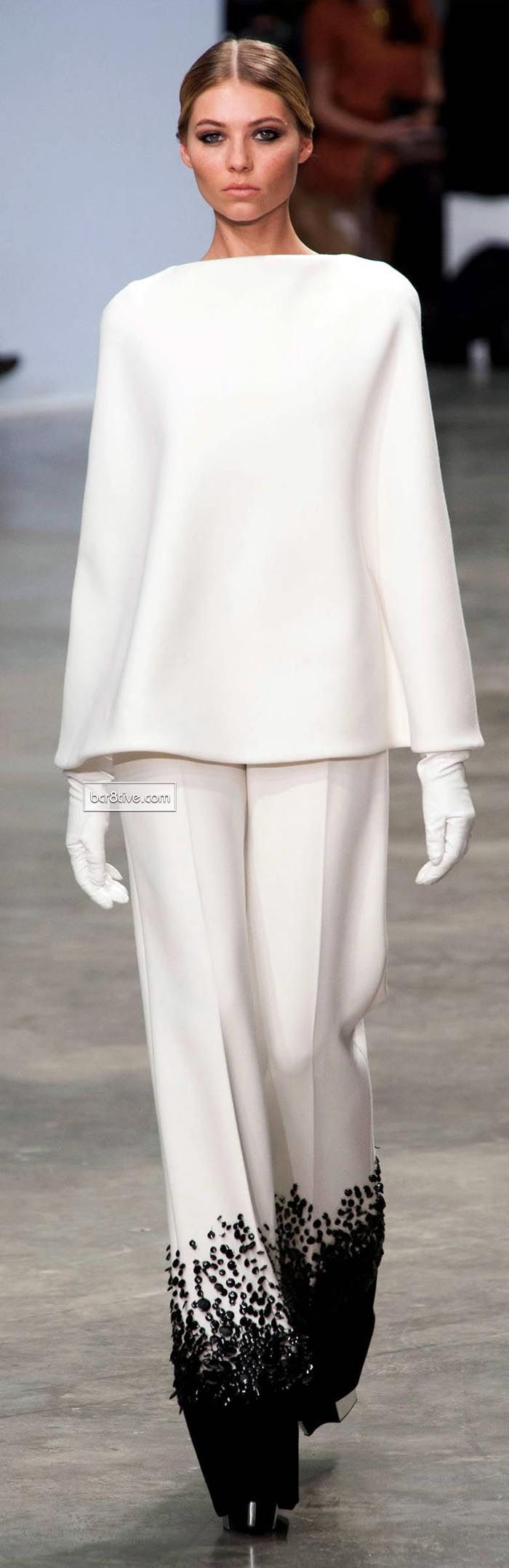 Stephane Rolland Spring Summer 2013-14 Haute Couture.....don't know why,  but I love this!