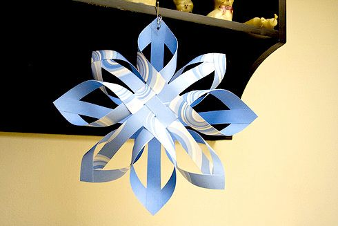 How to make a Finnish Star. The tutorial for this is very easy to follow. Just imagine with a paper patterned on both sides.