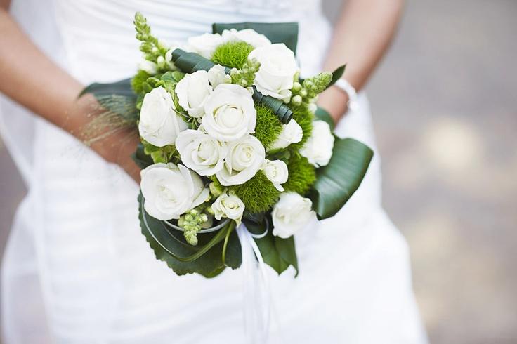 Brautstrauß grün und weiß - bouquet white and green More