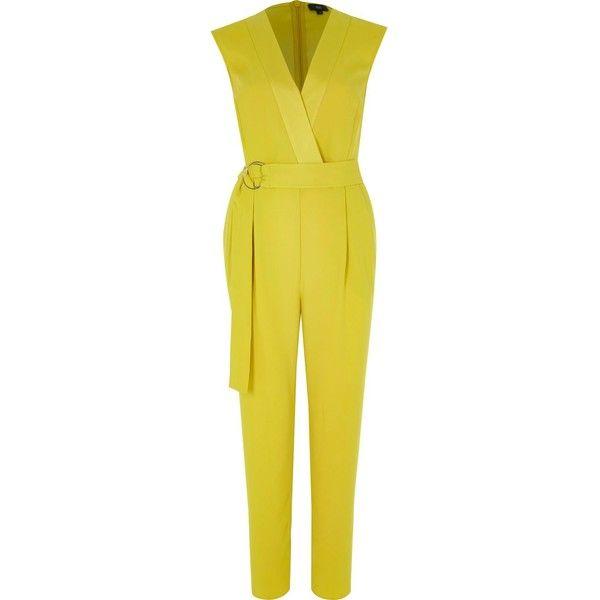 Gele mouwloze tailored jumpsuit ($29) ❤ liked on Polyvore featuring jumpsuits, zipper jumpsuit, crepe jumpsuit, tailored jumpsuit, jump suit and yellow jump suit