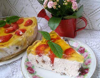 W Mojej Kuchni Lubię.. : sernik na zimno z czekoladą i truskawkami...