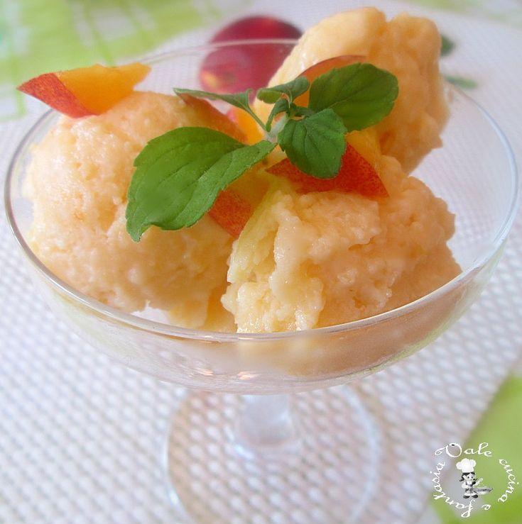 Gelato alle pesche,ricetta senza gelatiera,fresco e buono ricetta estiva senza gelatiera
