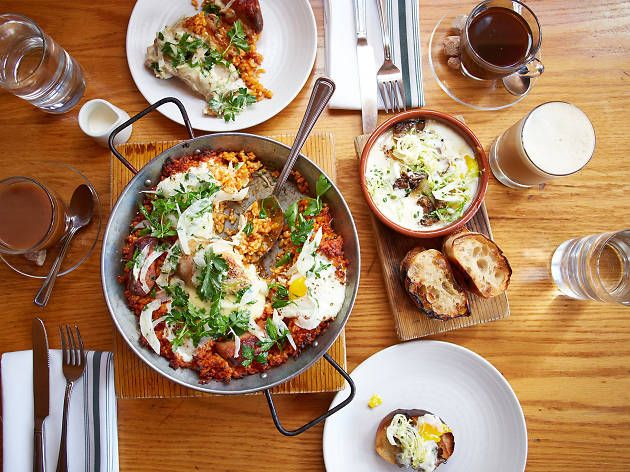 Some of the best places to eat in Chicago are located on Randolph Street area, so head to these West Loop restaurants for breakfast, lunch and dinner.