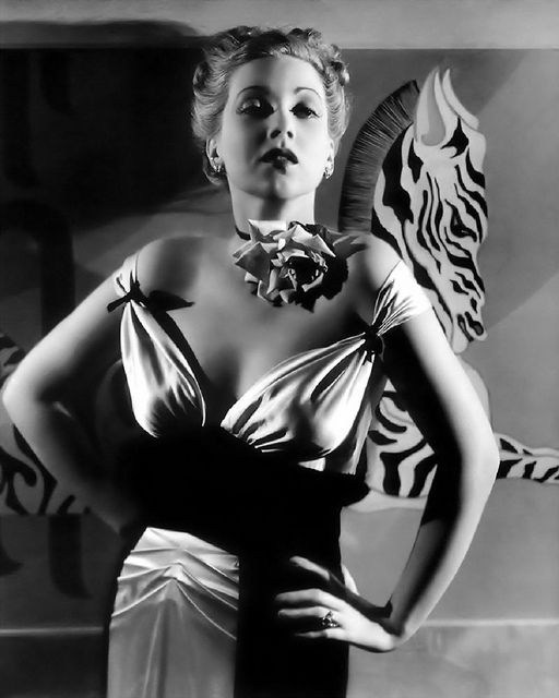 Ann Sothern by Hurrell. So fab, look at that flower at her neck