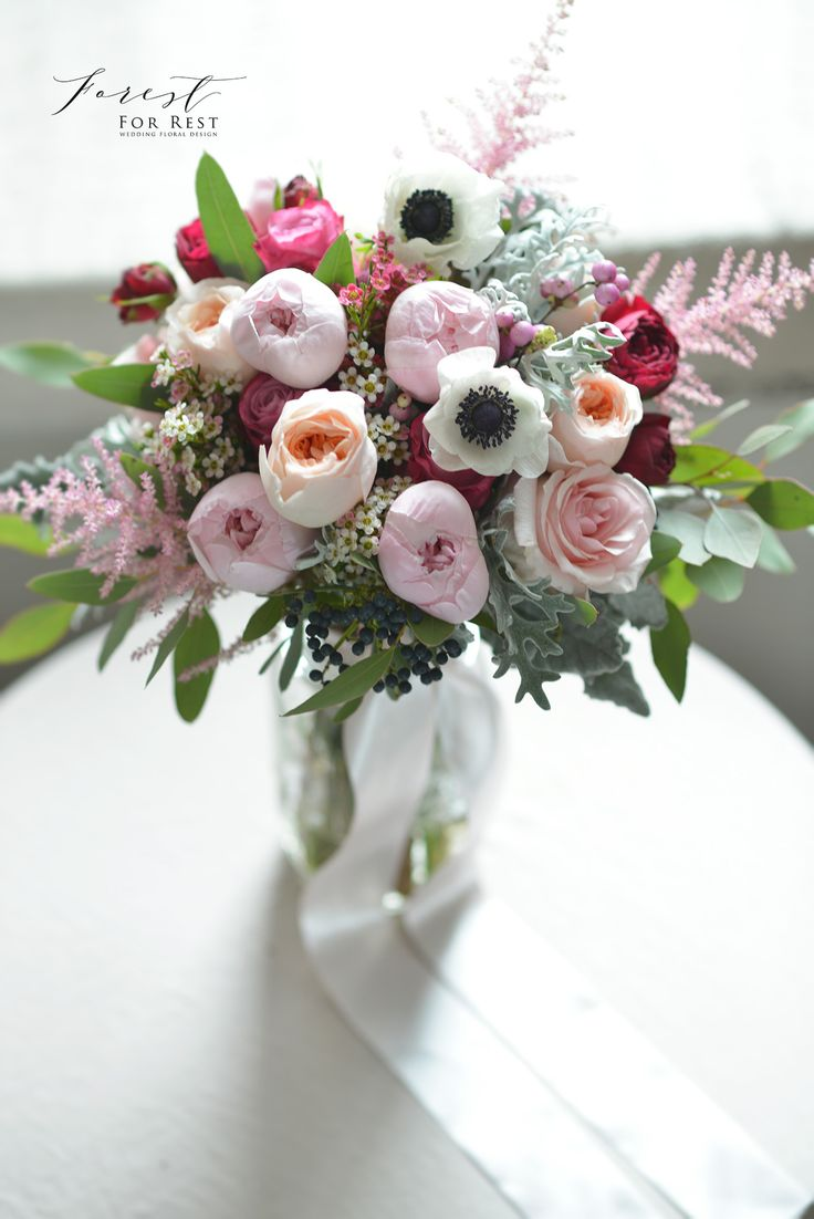Provenza blanco floral decor ideas
