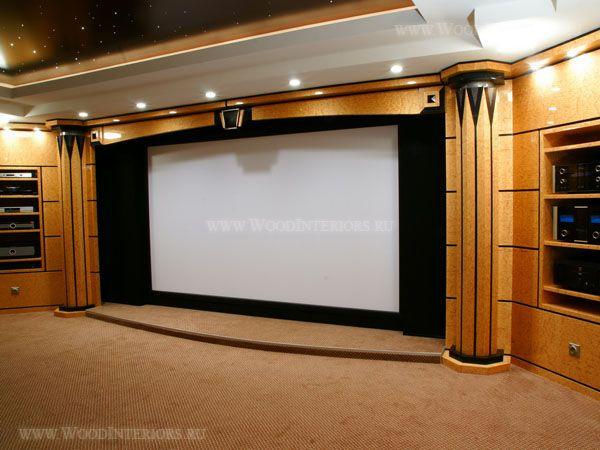 Деревянный интерьер кинозала на 5 VIP персон -