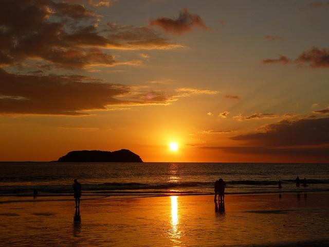 VIDA Statement Bag - Sunset on the Dock by VIDA XGTRZA