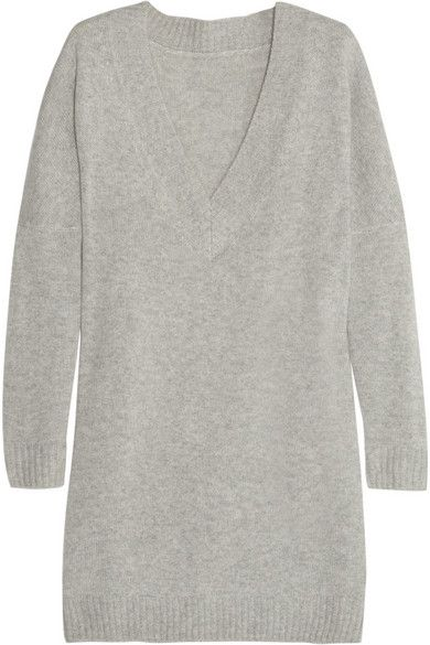 Oversized cashmere sweater by Banjo + Matilda