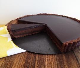 Recipe Chocolate Tart by Caroline Novinc - Recipe of category Desserts & sweets