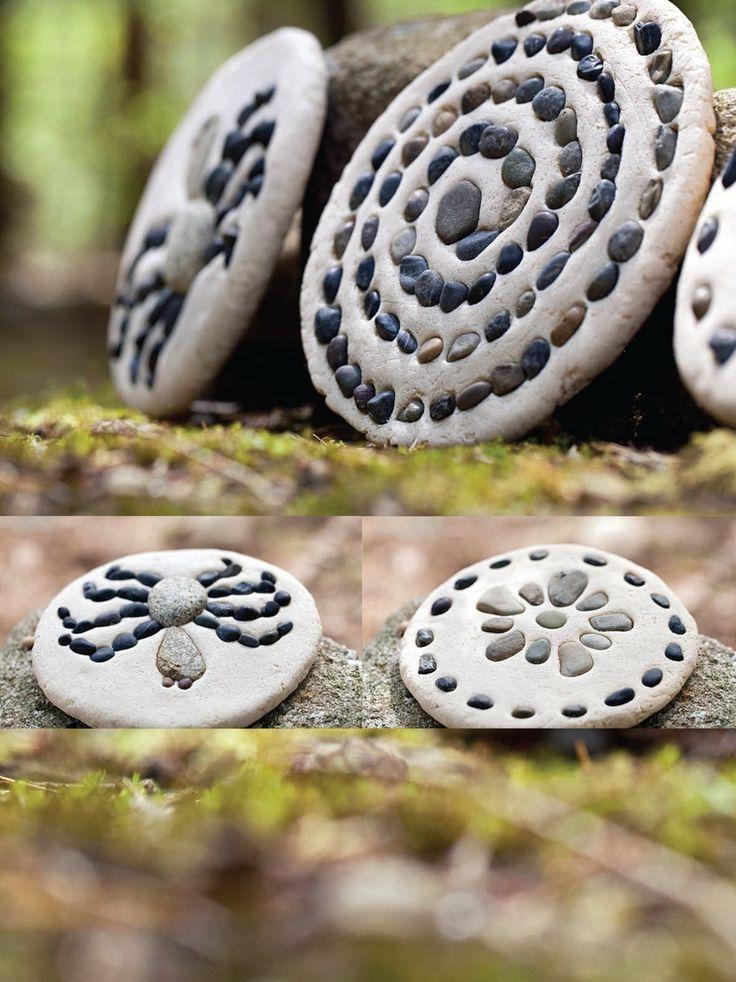 Kiesel-Plaques aus Salzteig-Muster von winzigen Ki…