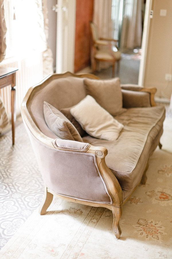 kind of obsessed with this gorgeous grey settee   Photography by xaviernavarro.com