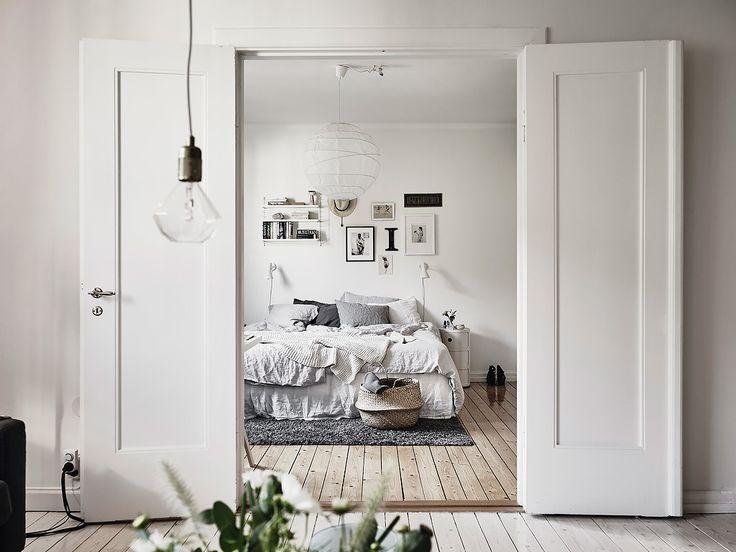 Chambre tons de gris home-tour-scandinave-chambre-panier-boule-maemoiselle-claudine