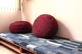 Resultado de imagem para sofa de colchão velho