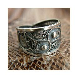 1000 Ideas About Filigree Ring On Pinterest Vintage