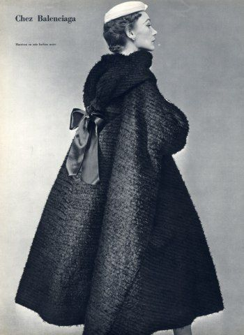Balenciaga 1952 Evening Coat Manteau en Soie Barbue Noire