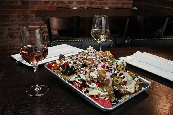 Great Eats And Wine From Square Roots In Crown Point Thanks To The Crew At Squarerootscp And Mixdesigninc For The Gig Doing P In 2020 Pub Food Food Food Photography