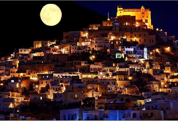 'Super' Moon 2013 over the island of Syros