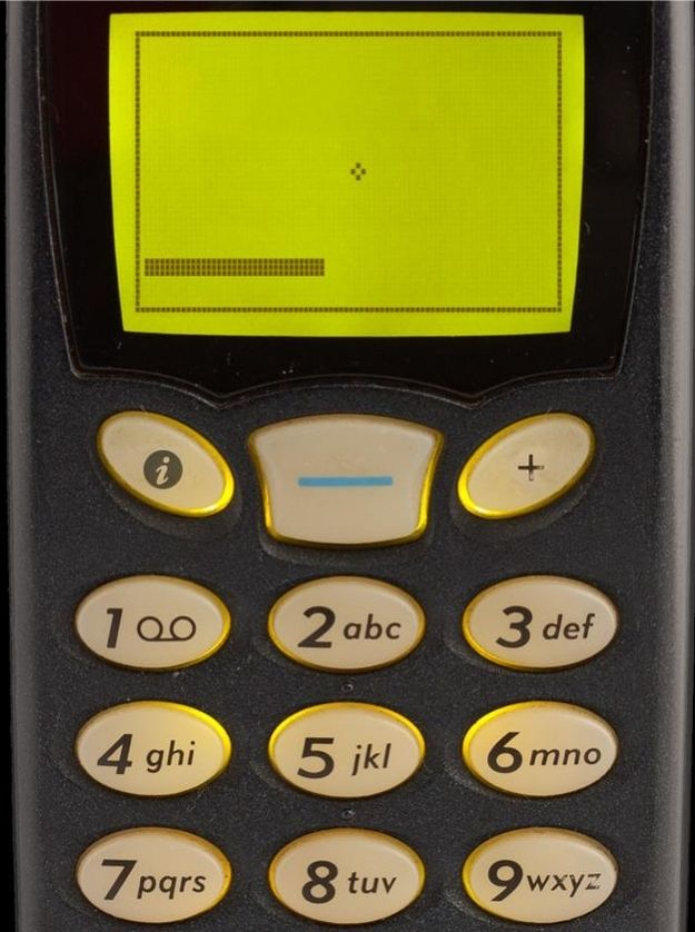 Is this still one of your favorite games? SNAKE. wow. cell phones have come a long way....