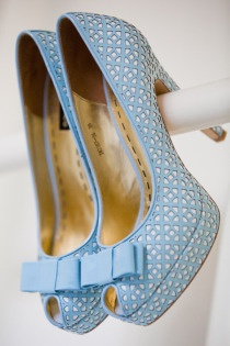 Blue Wedding Shoes #wedding #bluewedding #weddingshoes