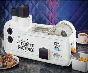 With this Mini Donut Factory you will make Donuts in approximately 90 seconds Top Chrono! It makes up to 30 donuts per batch. Features a fafety guard lids keeps hands away from hot oil! Great!