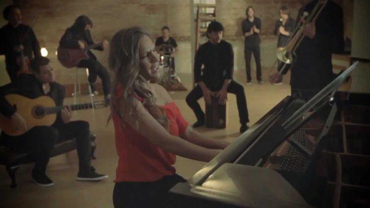 MARÍA TOLEDO - Dame una oportunidad (videoclip oficial) - YouTube