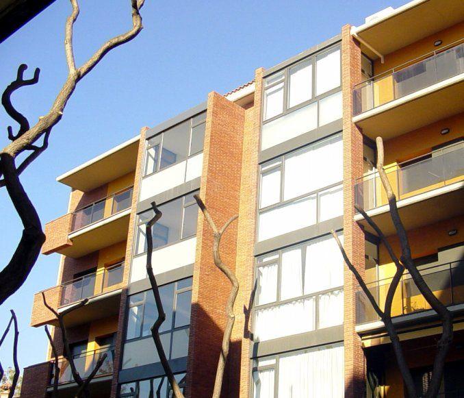 2 Edificios entre medianeras, Castelldefels / AMSA Arquitectura