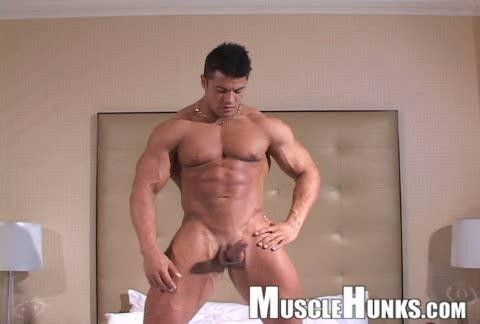 Muscle Hunks - Raul de la Guardia (Gay Solo) File size: 635.3 MB, 2015-09-07 23:56:34 | FilesMonster.Club