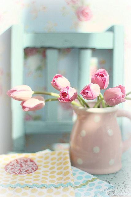 Tulip pitcher