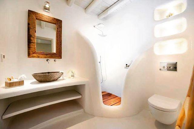 Después de un día intenso; me apetece una buena ducha y un rato de relax. #buenasnoches #goodnight #madera #blanco #white #mix #bathroom #bańo #chic #modern #relax #descanso #dormir #picoftheday #love #deco #decoracion #interiores #trucosparadecorar