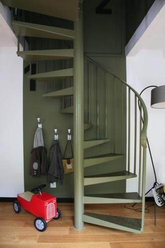 L'escalier se fond dans le décor.
