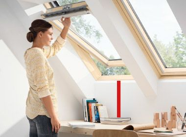 Top operated VELUX Roof Window GLL Střešní okno VELUX s horním ovládáním