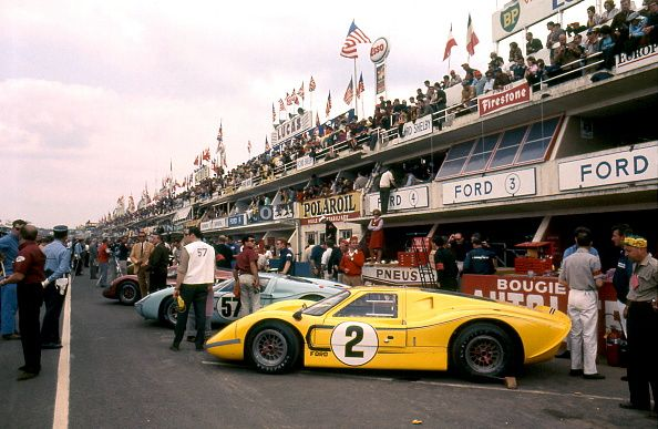 Photo d'actualité : Le Mans 24 Hours 11th June 1967. Car no 2 Bruce...