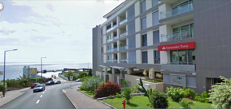Penthouse na Estrada Monumental, junto ao CC Forum Madeira, a poucos metros da praia, no Edifício Roda Mar. Temos para venda T2 e T3 de frente para o mar, com sol de manhã à noite...