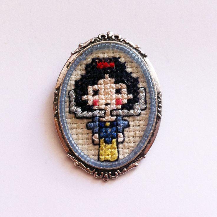 #babyprincess #snow #crossstitch #necklace #jewelcreator #jewerly #jewels #handcraft #handmade #cross #creator #princess #brooch