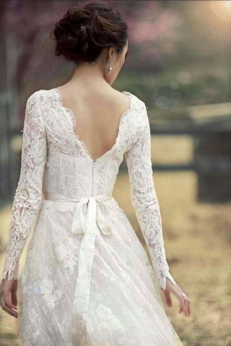 lace-long-sleeved-wedding-dresses-waist-ribbon.jpg