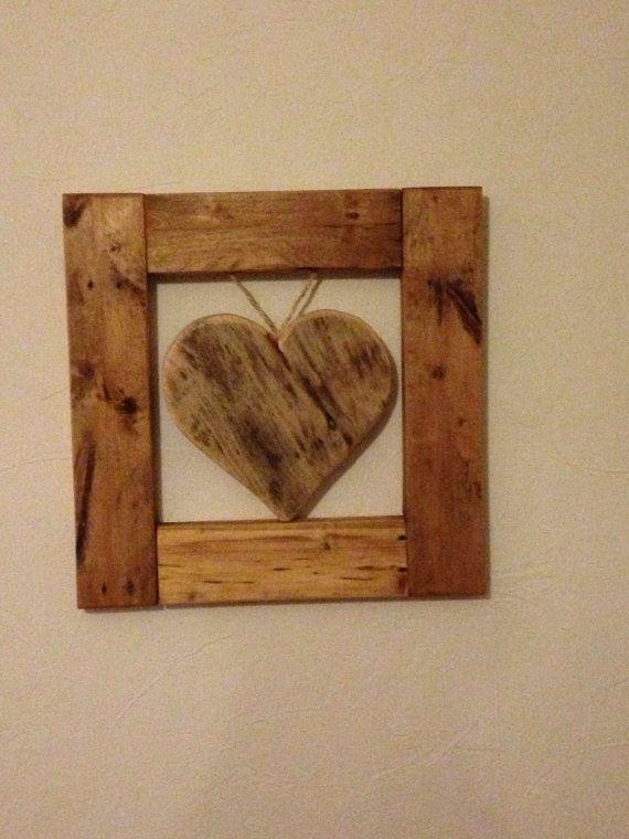 Reclaimed Pallet Wood Heart & Frame