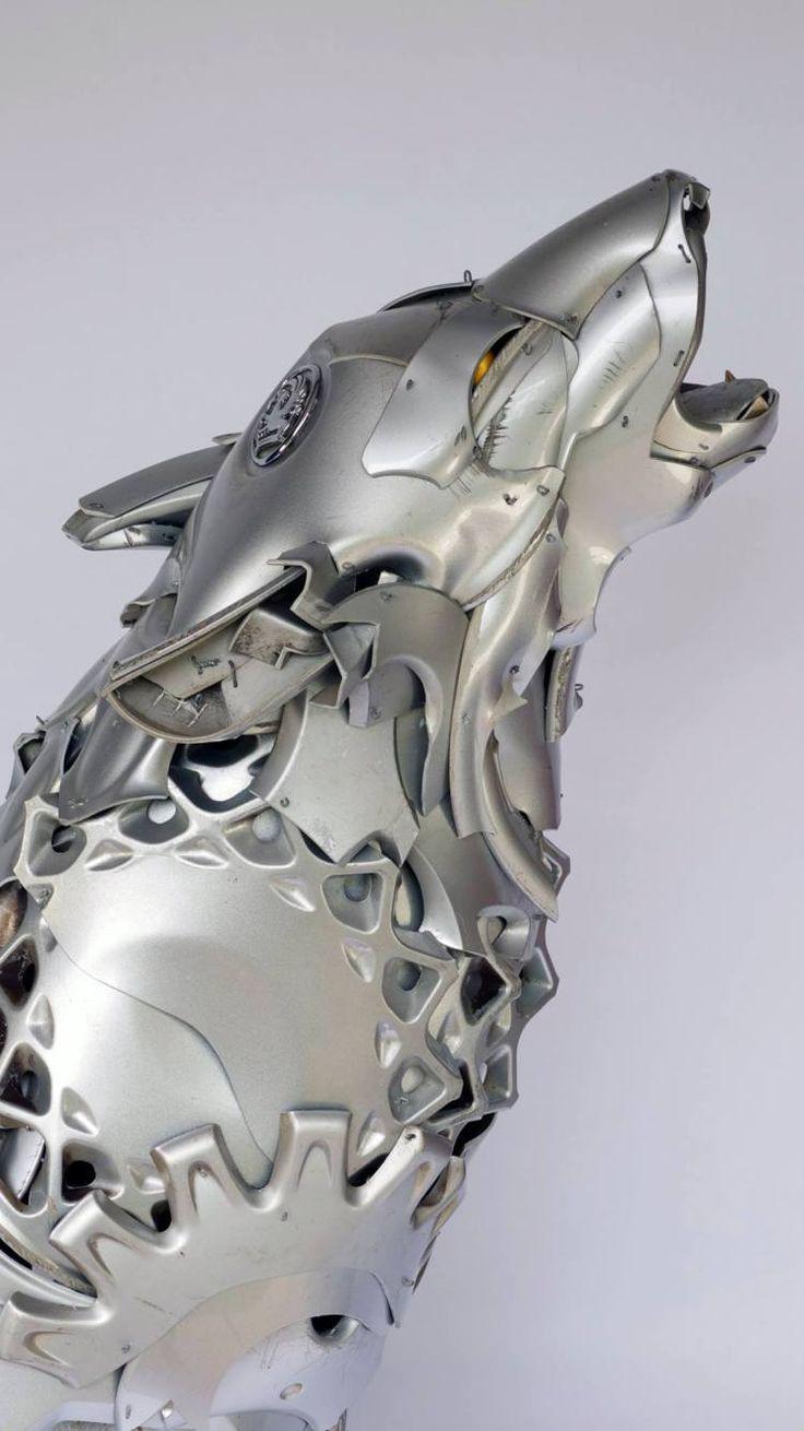 Hubcap animal sculptures by Ptolemy Elrington // modern art // metal sculpture // animal art