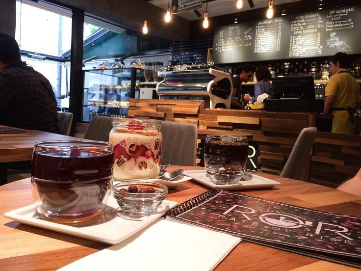 Öğle arası kahvesi @rorcaferoastery den. Asiditesi yüksek kahve sevenler için v60 da demlenen hawaii kona tavsiyem . . . . . #coffee #coffeebreak #barista #pourover #vscocam #coffeeadict #coffeelovers #brewingcoffee #thirdwavecoffee #brewing #coffeeholic #coffeetime #coffeeshops #coffeeshop #vscohub #coffeeporn #ankaradayasam #instaankara #ankara #nothingisordinary #instacoffee #coffeeandlife #coffeeoftheday #coffeemaster #iphoneonly #italianstyle #italy #coffeeshopcorners…