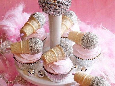 How to Make Karaoke Birthday Cupcakes