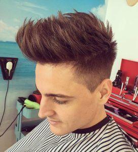 Potongan rambut undercut pria