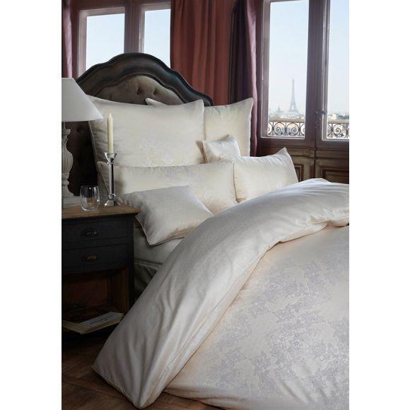 mit dieser charmanten bettw sche schaffen sie ein zauberhaftes ambiente in ihrem schlafzimmer. Black Bedroom Furniture Sets. Home Design Ideas